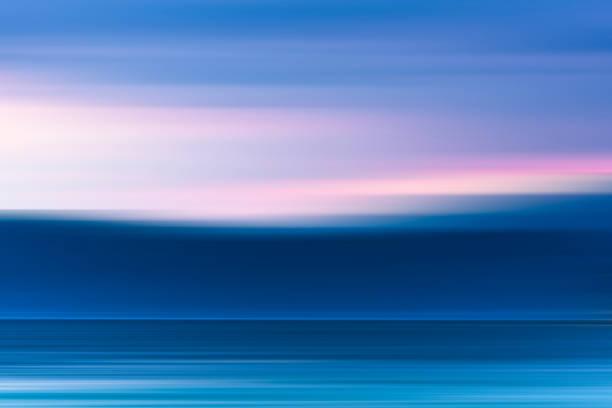 abstrakta rörelse oskärpa bakgrund: drömmande marinmålning. - vattenlandskap bildbanksfoton och bilder