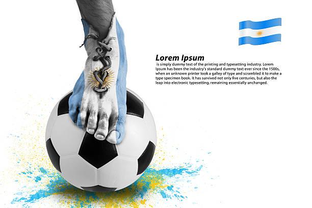 abstrakte von fußballspieler schuhe, bunte splash mit sport ball - fußball poster stock-fotos und bilder
