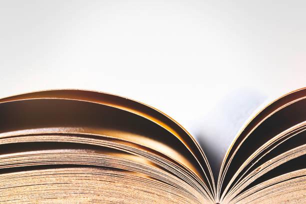 抽象打開的舊書 - book open 個照片及圖片檔