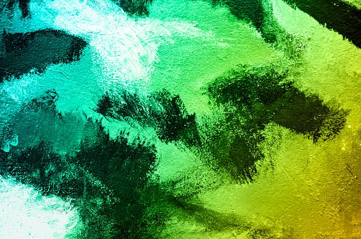 추상 페인트 벽 바탕에 화려한 브러시입니다 아크릴 손 그라데이션 청록색과 녹색 음색 페인트 패션과 인디 분위기입니다 닫습니다 0명에 대한 스톡 사진 및 기타 이미지