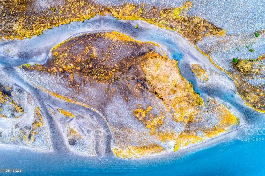 Abstrakte Muster der verflochtener Fluss in Island, Luftbild – Foto