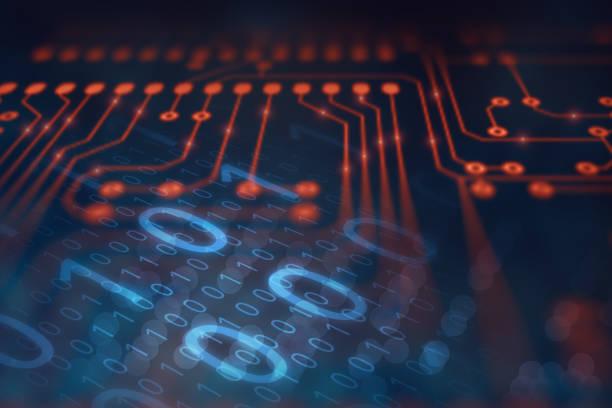 Abstrakter Technologiehintergrund mit digitalem Daten-Binärcode und elektronischer Leiterplatte (PCB) Mikrochip-Verarbeitungsinformationssignal, Hightech- und Roboterautomatisierungskonzept – Foto