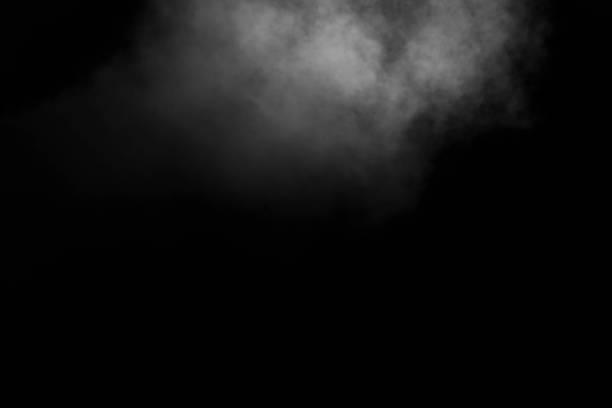 abstrakt vit ånga, rök i form av ett moln på en svart bakgrund, kopiera utrymme - dimma png bildbanksfoton och bilder
