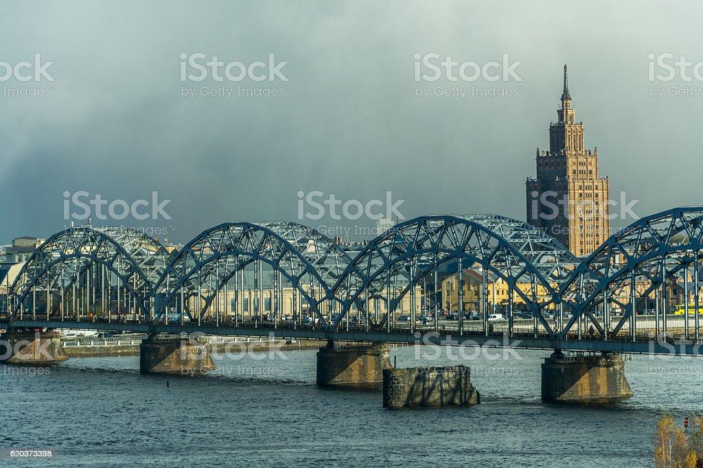 Academy of Sciences of Latvia and the Railway Bridge foto de stock royalty-free
