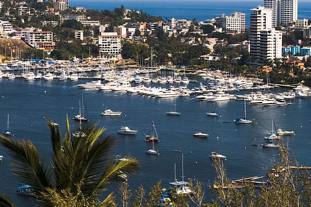 Acapulco mit Blick auf den Hafen – Foto