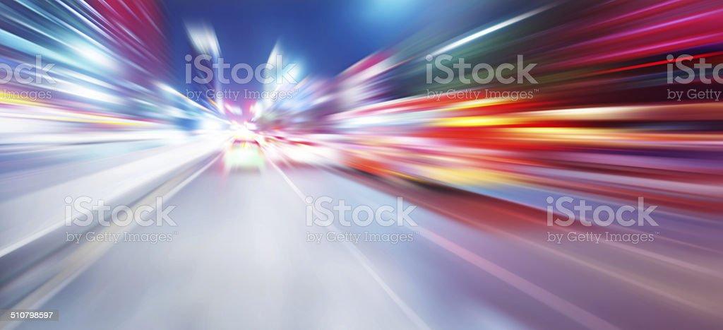 Beschleunigung Geschwindigkeit Bewegung auf der Nacht-Straße – Foto