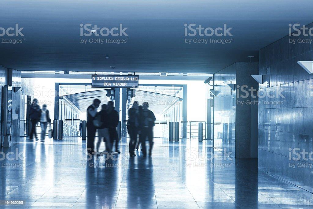 Acesso à estação de metrô - foto de acervo