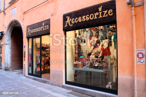 istock Accessorize store 458104133