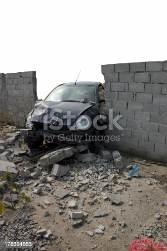 684793794istockphoto Accident 2 - Drunk crash test 178364883
