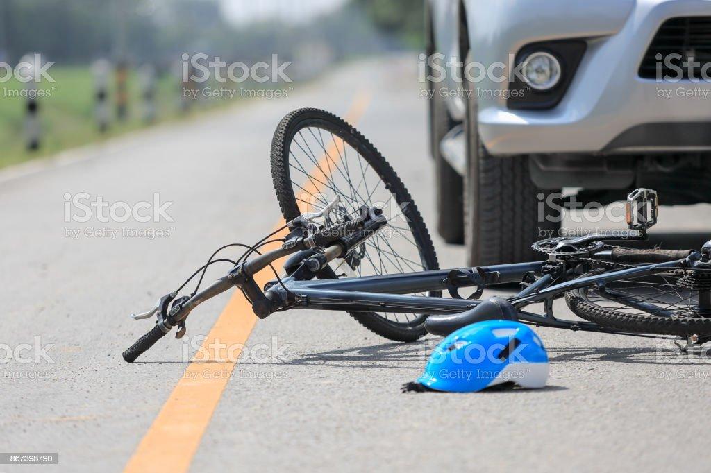 Unfall Auto Crash mit dem Fahrrad unterwegs – Foto