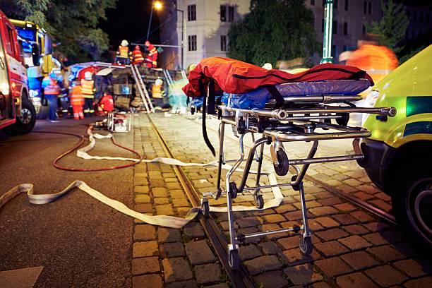 accident - auxiliaire médical photos et images de collection
