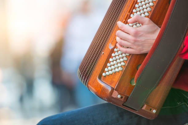 Akkordeon-Spieler auf der Straße – Foto