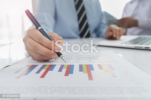 istock accounting business 913230404