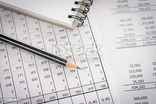istock accounting report 1129008071