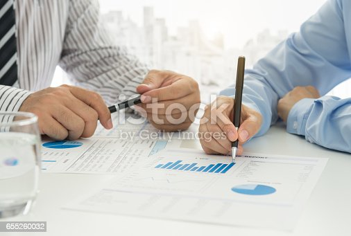 istock accounting team 655260032