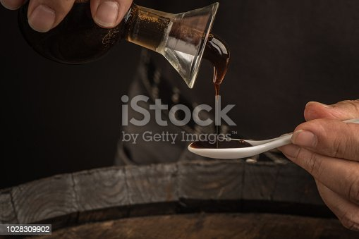 Aceto balsamico di Modena Assaggio con Cucchiaio