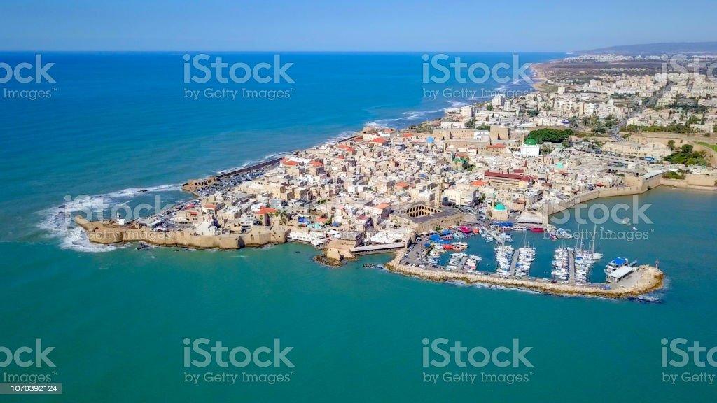 Acre, Israel - imagem aérea da cidade velha, o antigo porto e marina - foto de acervo