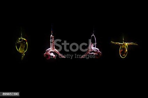 istock acrobat 899652390
