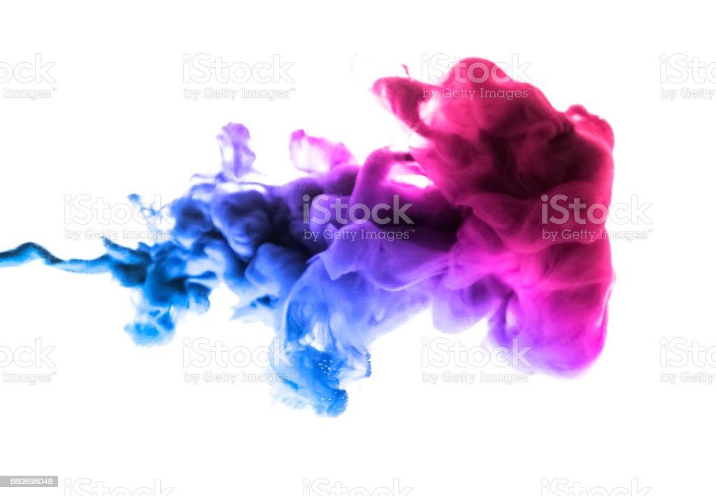 Colores acrílicos y tinta en el agua. Fondo abstracto marco. Aislado en blanco - foto de stock