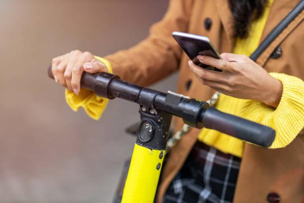 Aktivierung von Elektroroller vom Smartphone – Foto