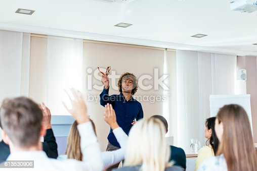 933450738 istock photo Active discussion on the round table in business 613530906