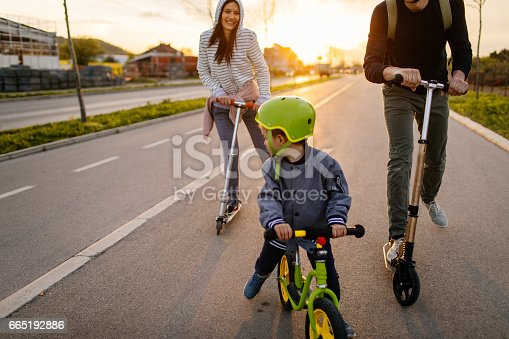 istock Active family on wheels 665192886