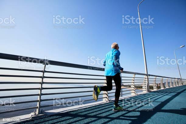 Active runner picture id876641236?b=1&k=6&m=876641236&s=612x612&h=u5wvwzyu21yi gszf3d8mzurvworxeqra0bw3oekxtm=