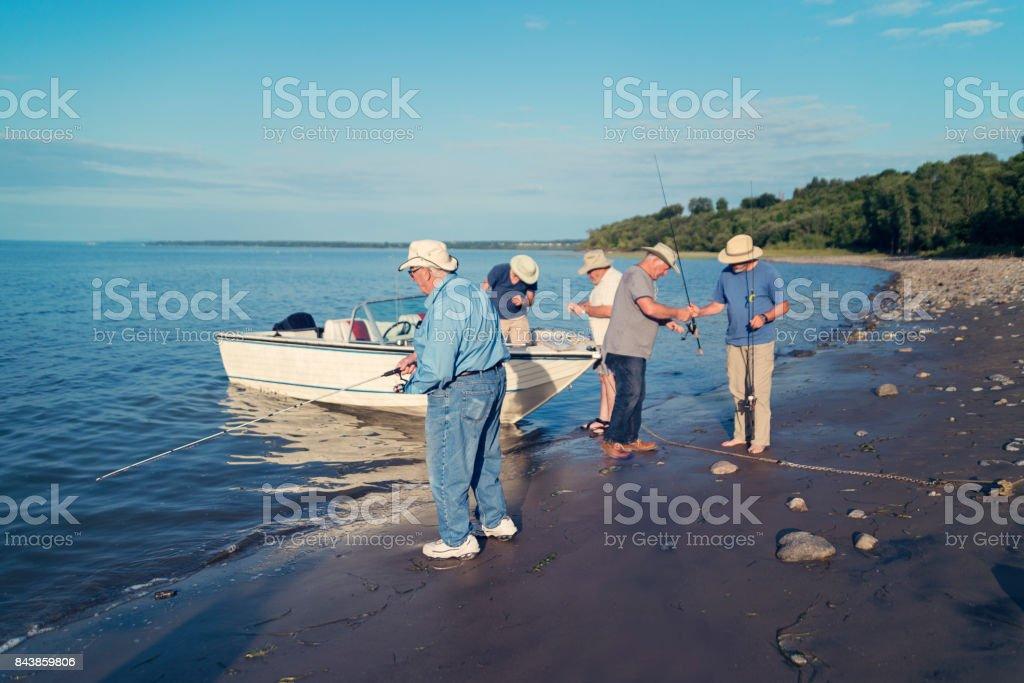 Aktive Senioren Brüder einen Angelausflug. – Foto