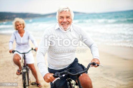959016450 istock photo Active seniors 175384163