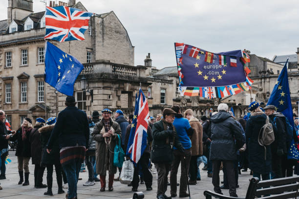 Activists from Bath for Europe, non-party-political Pro-EU group, campaigning in Bath, UK. Activists from Bath for Europe, non-party-political group of volunteers campaigning for the UK to remain at the heart of the European Union, campaigning in Bath, UK. bath abbey stock pictures, royalty-free photos & images