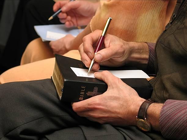 Aktivität auf eine Bibel Arbeitszimmer – Foto