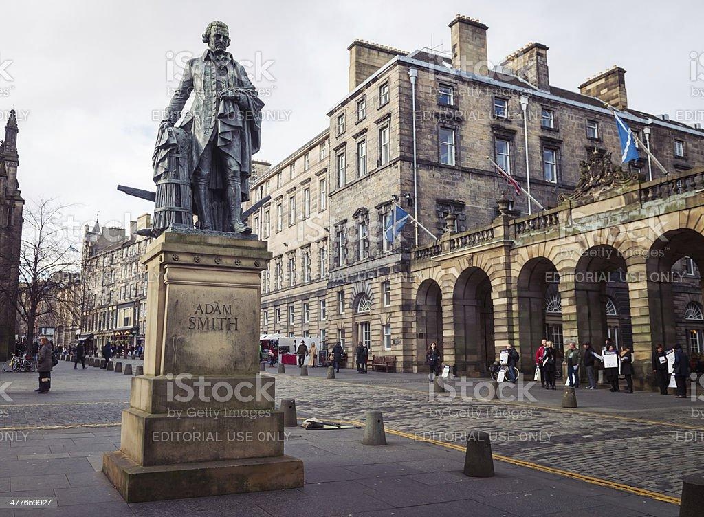 Fotografía de Estatua De Adam Smith De Edimburgo y más banco de ...