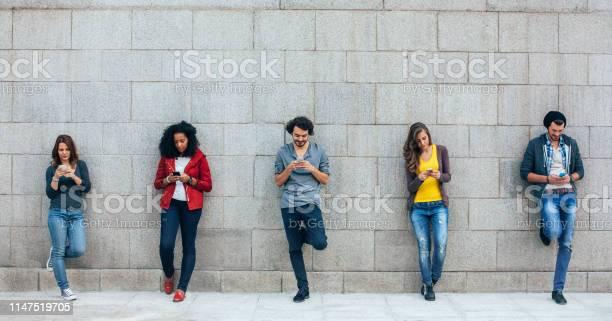 Addicted to social media picture id1147519705?b=1&k=6&m=1147519705&s=612x612&h=neuitcqpcjqsdlaygbmdqrjqqgxsf jsqqa51ot9yuk=