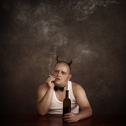 istock Addictions - smoking and drinking 483550724