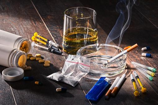 알콜 담배 및 마약 등 중독성 물질 Prohibition에 대한 스톡 사진 및 기타 이미지