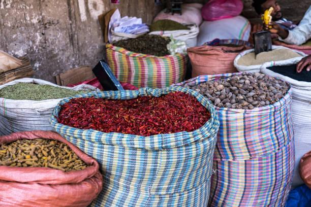Addis Mercato in Addis Abeba, Ethiopia in Africa. Addis Mercato in Addis Abeba, Ethiopia, the largest market in Africa. mercato stock pictures, royalty-free photos & images