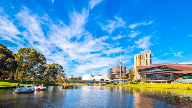 Adelaide Skyline am Torrens River – Foto