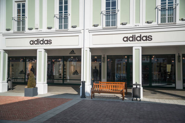 Adidas store – Foto