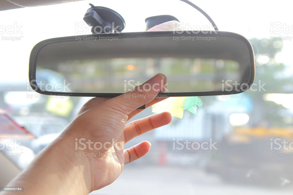 adjust rear view mirror - foto de acervo