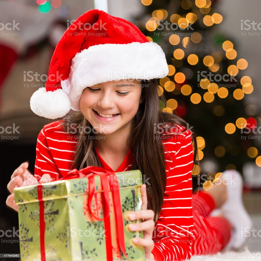 Regali Di Natale Per Ragazze Di 13 Anni.Adorabile Ragazza Ispanica Preteen In Pigiama Di Natale Regali Di