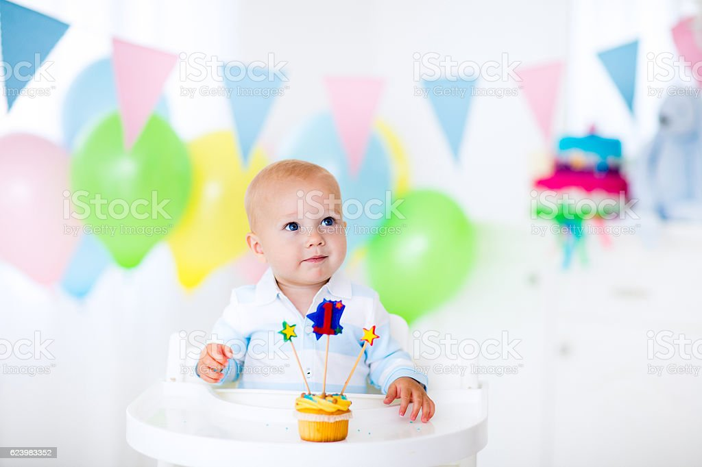 Adorable little baby boy celebrating first birthday – Foto