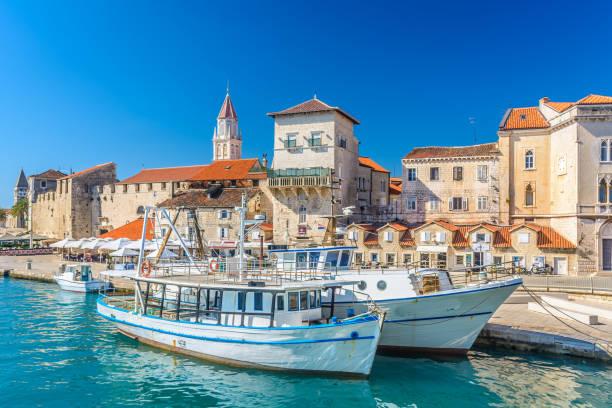 Adriatische Stadt Trogir. – Foto