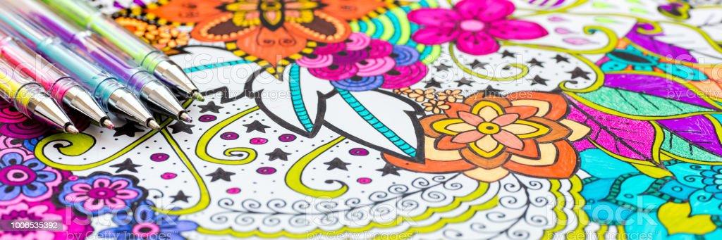 大人の塗り絵新しいストレス傾向を緩和します芸術療法精神的健康創造性
