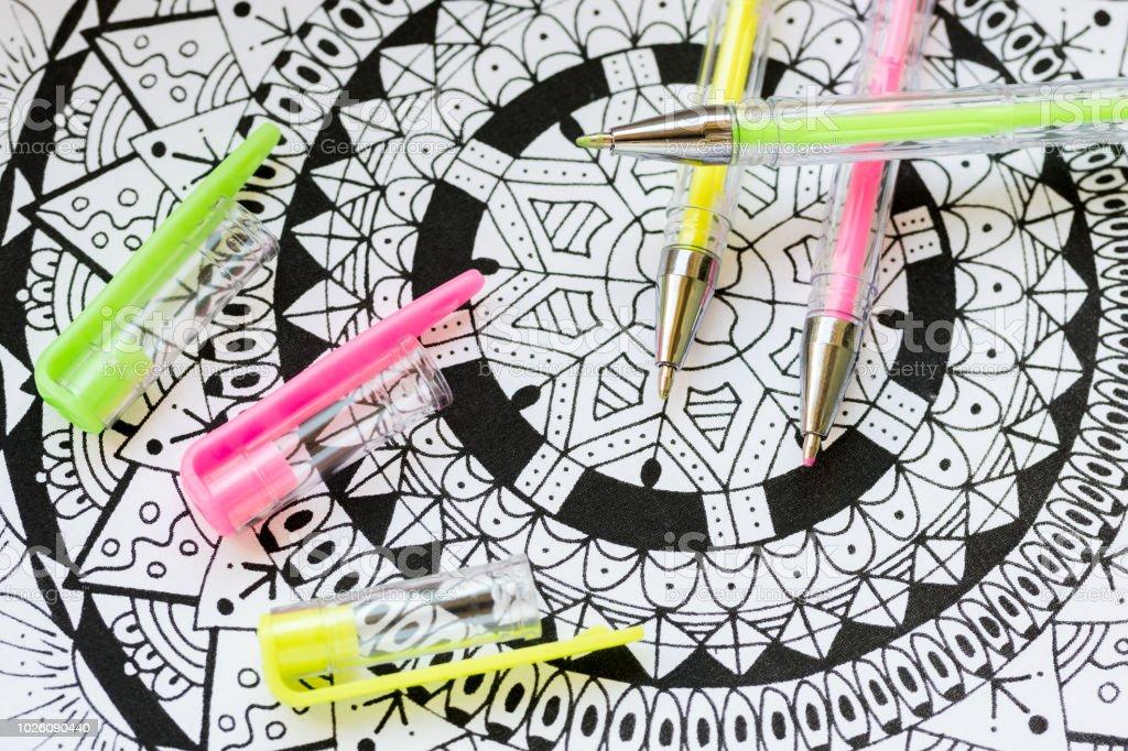 Coloriage Adulte Therapie.Photo De Stock De Livre De Coloriage Adulte Nouveau Stress
