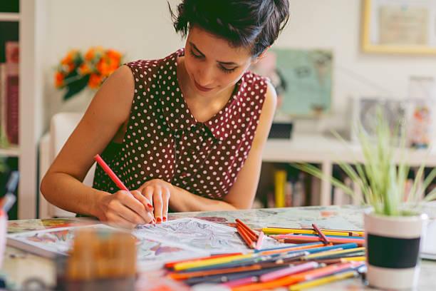 adult coloring books - 成年人 個照片及圖片檔