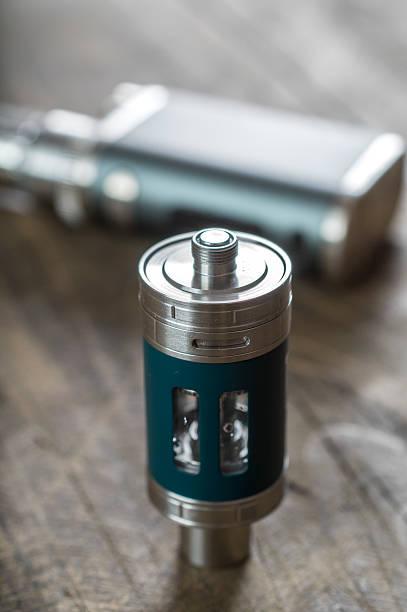 Avançada vaporizer pessoal ou e-cigarette  - foto de acervo