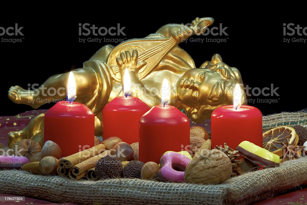 advent wreath four candles lit stock photo more pictures. Black Bedroom Furniture Sets. Home Design Ideas