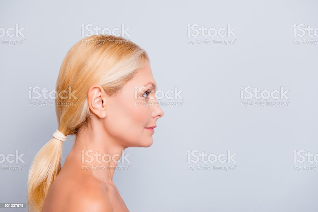 hübsche blonde frauen nackt