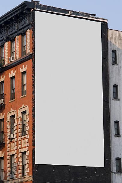 pubblicità billboard spazio a manhattan new york - composizione verticale foto e immagini stock