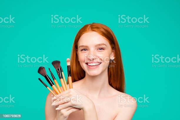 Advertising concept portrait of nice cheerful nude redhaired girl picture id1060793628?b=1&k=6&m=1060793628&s=612x612&h=ep8p9c1v19o1qdr9dn ptgsbjjh1p314wghhite0vjq=